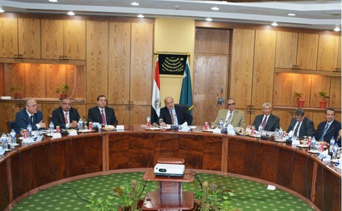 لقاء الوزير بمحررى شئون البترول فى الصحف المصرية